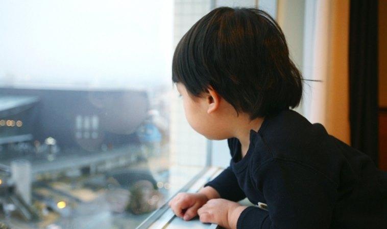 又是獨留房間釀禍!4歲男童從高樓墜落不治