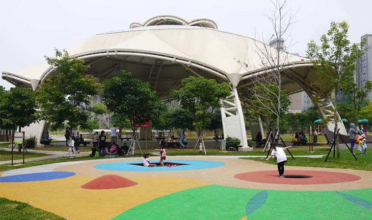 桃園特色公園大公開,共融遊戲場讓孩子喊還要再來