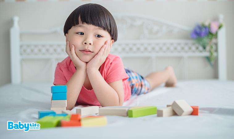 創造力x自主性,當孩子說無聊時,試著他自己面對…
