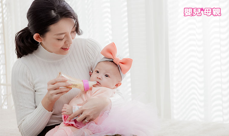 每對父母的疑問:嬰兒要喝多少奶量呢?