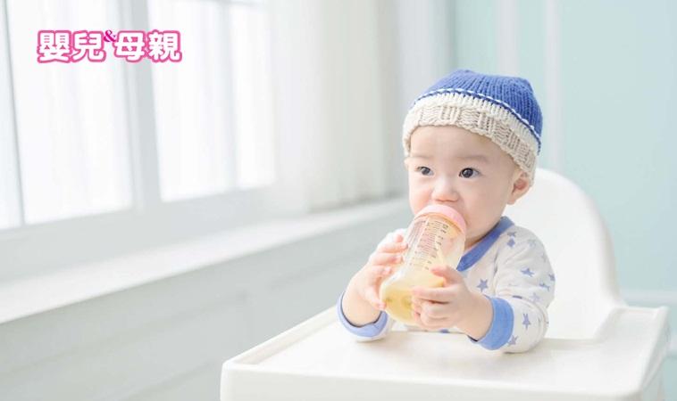 嬰兒喝奶時掙扎、不喝奶?原來是因為忽略了這原因…
