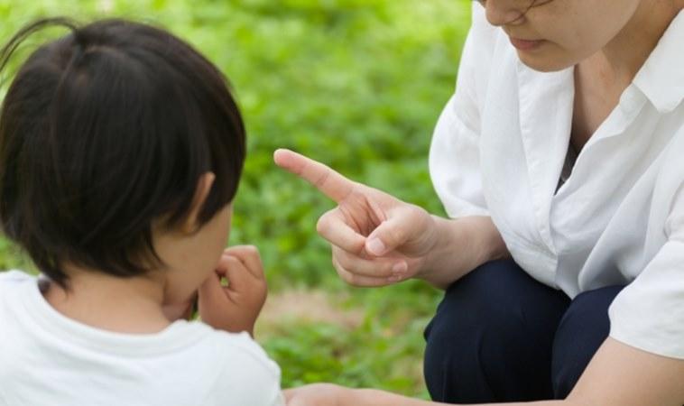 反覆對孩子生氣大吼,竟會改變他的大腦結構!