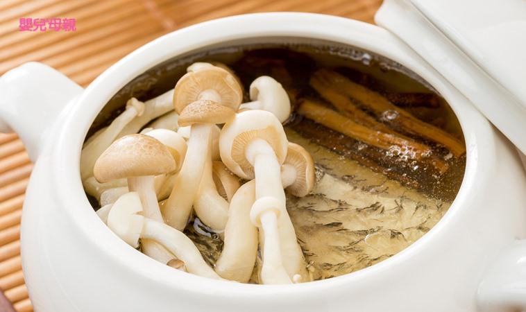 提升免疫力、防水腫,低膽固醇的「雙菇鱸魚清湯」