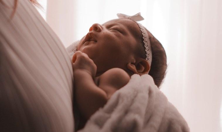 研究發現:不管有幾個小孩,睡眠受影響的都是媽媽!