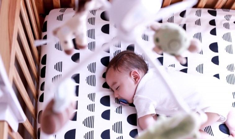 白噪音讓寶寶更好睡?研究:恐影響睡眠及聽力