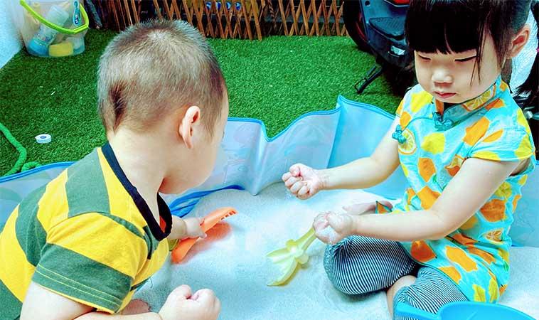 當媽後每天都在演戲!這四種角色扮演遊戲幫助2~4歲孩子成長快!