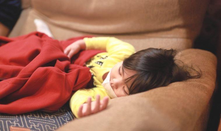 腸病毒釀嘴破、發燒不止,女童送醫後12小時內不治