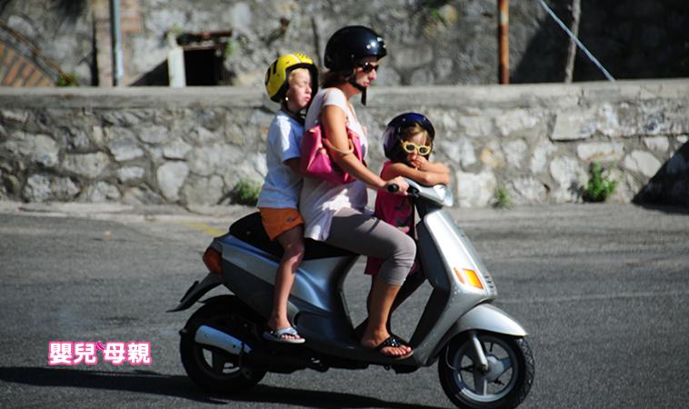 媽媽好難為~「背孩子騎車」卻慘遭檢舉開單