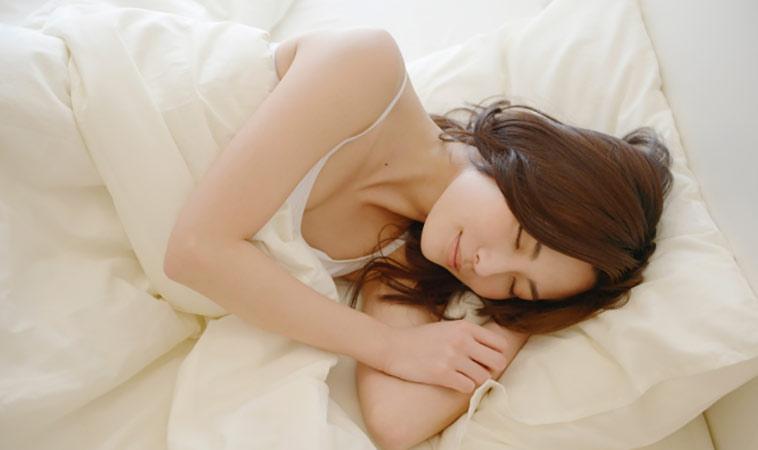 12點前睡就能變漂亮!專家傳授美容覺秘笈,讓妳越睡越瘦