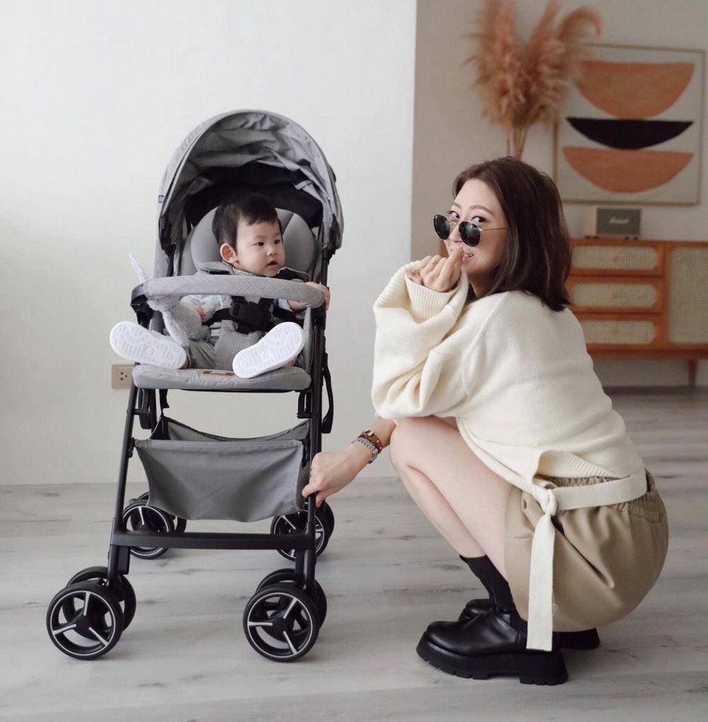 第一台可以橫著走的嬰兒推車!不管什麼路面爸媽從此暢行無阻