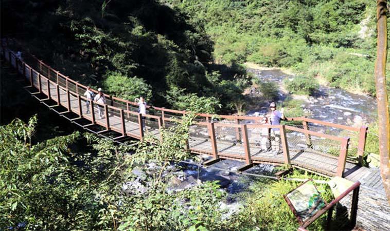 宜蘭新寮瀑布,親子旅遊新景點