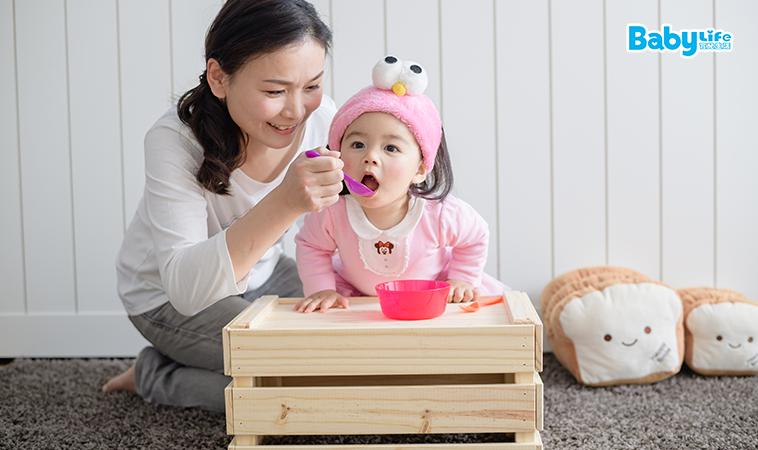 解決法:磨碎碎x切小塊 3類寶寶吃了容易噎到的食物