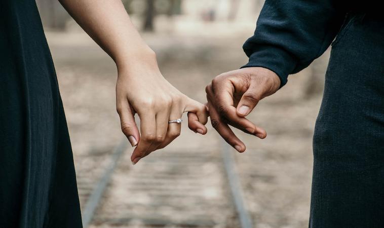女人的性行為疼痛,與社會的道德綁架有很大關係