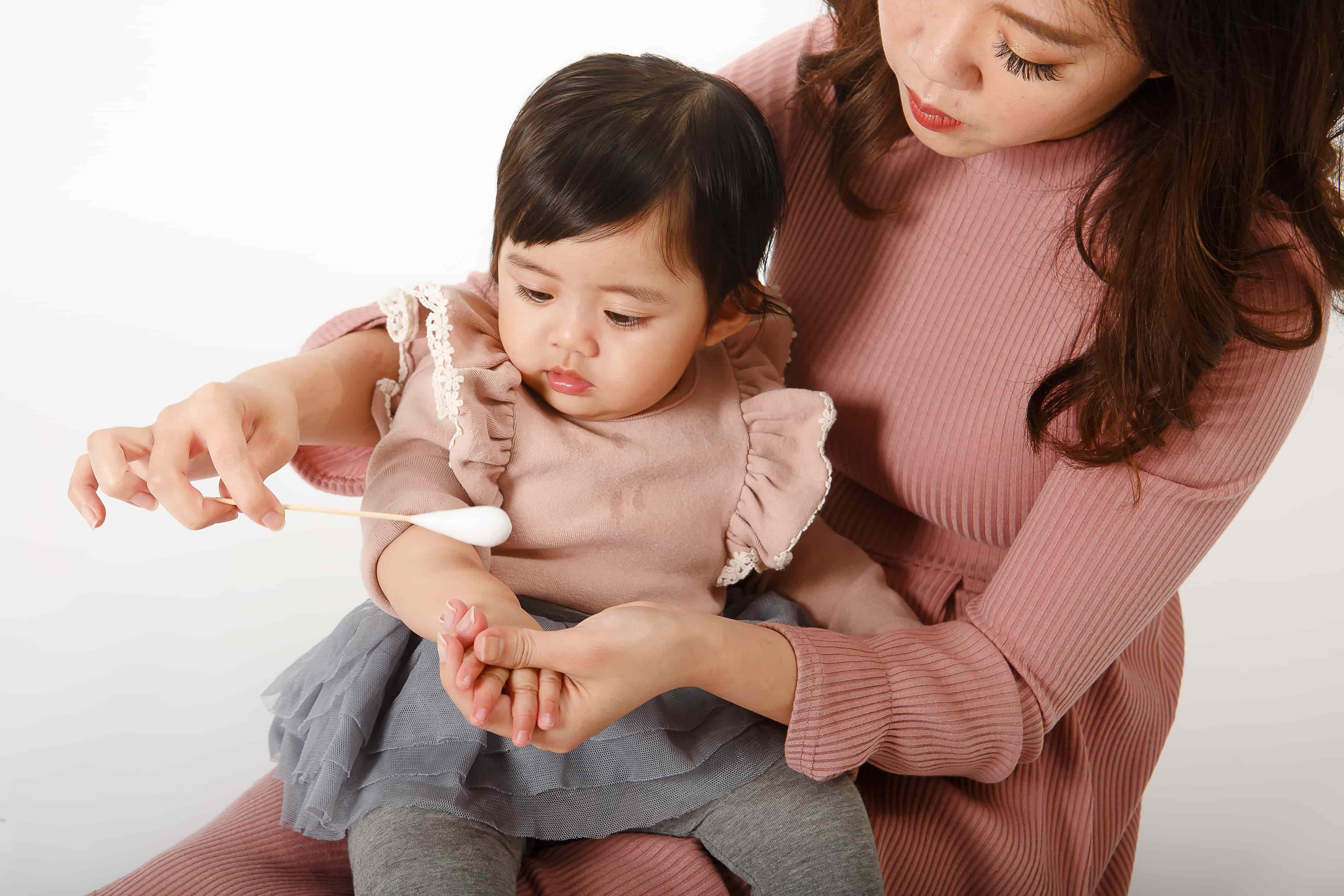 孩子不小心跌倒受傷,正確照護傷口預防疤痕