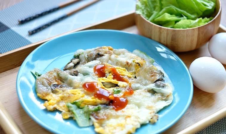 15分鐘出好菜!台灣小吃必點的「蚵仔煎」食譜做法詳解