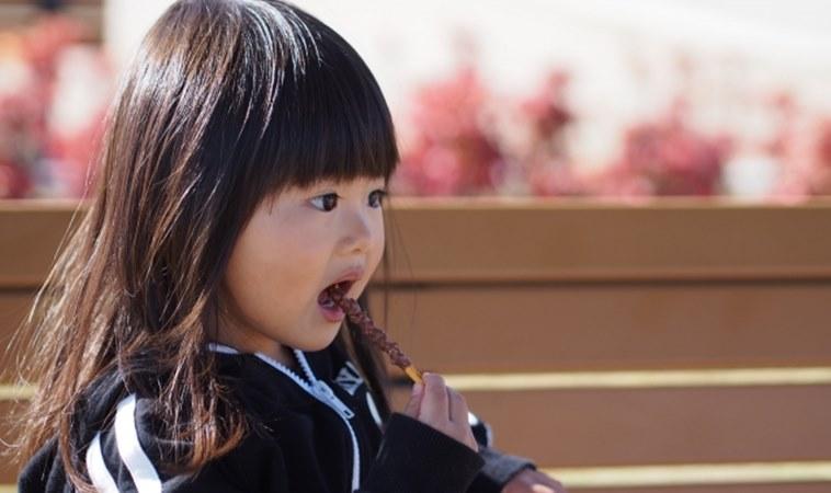 你該堅持不給糖!研究:過多的糖會破壞兒童大腦記憶