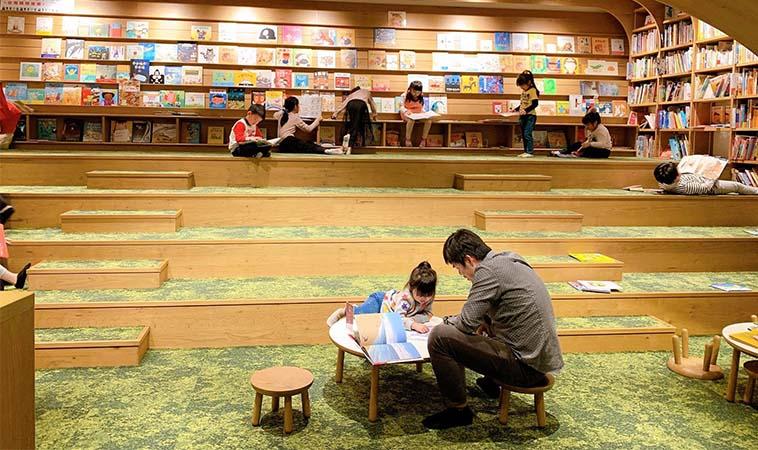 到全台最大圖書館朝聖,拉近孩子與書的距離