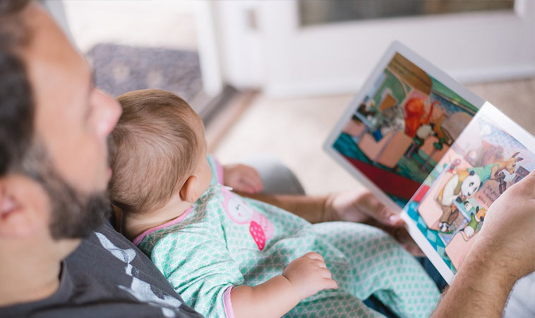 儘早開始念故事書給寶寶聽