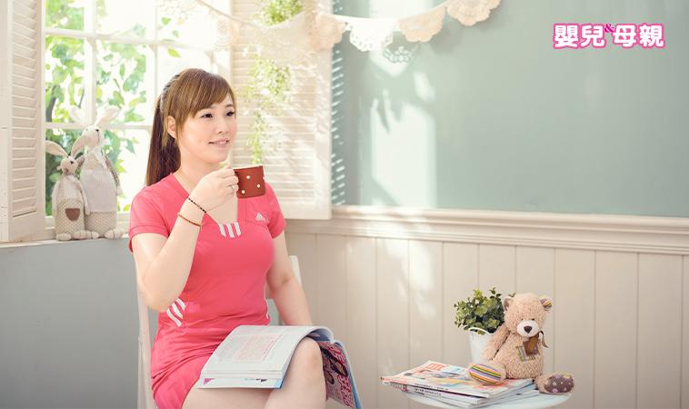 產後快速瘦小腹應該怎麼做?名醫簡文仁教妳「超簡單居家瘦肚操」!