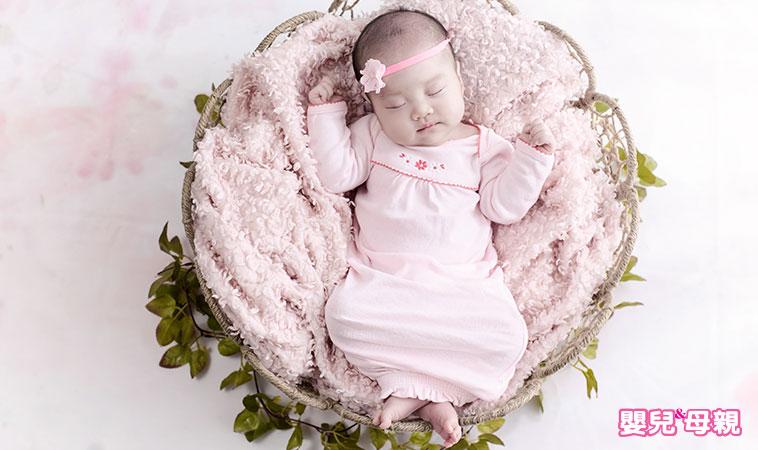 新手爸媽必讀,寶寶「這樣睡」最好!