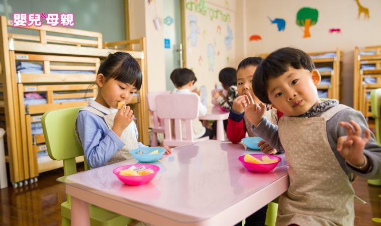 還在為餵飯傷腦筋?史丹福媽媽陳美齡的6個餐桌教養絕招!