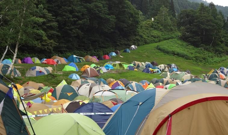 露營還要挑季節?不需要!下雨天也能這樣玩
