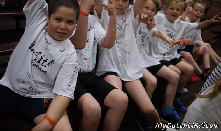 三歲騎腳踏車、五歲學游泳 健康小荷蘭人這樣養
