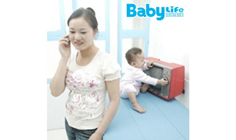 當寶寶和電視「黏」在一起… TV and Your Baby