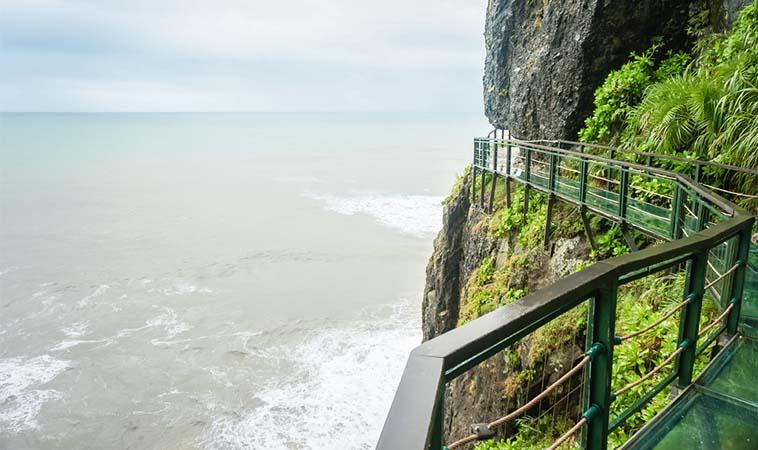 花蓮海上天空步道,欣賞海天一線美景