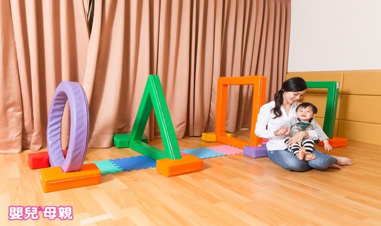 快帶寶寶一起做!0~6個月、7~12個月五感遊戲步驟圖解
