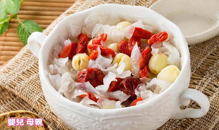 營養師把關輕鬆料理,孕期超營養:黃金羅漢果木耳湯