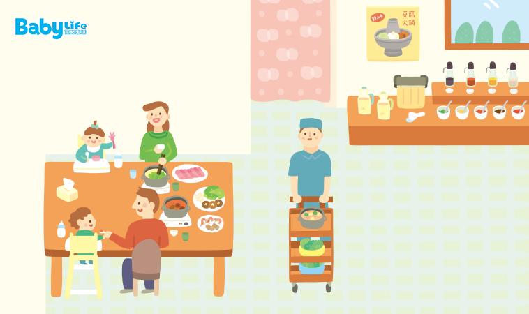 小孩坐內側,大人坐外側 幼兒外食「坐」的安全