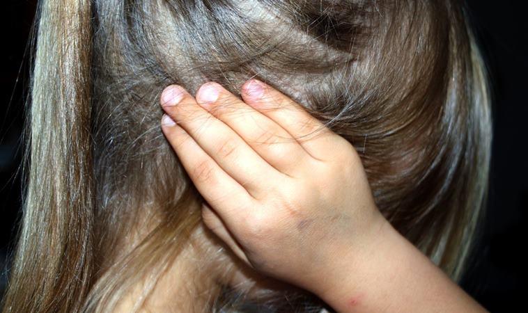 幼兒園老師竟用大頭針刺幼兒!孩子被不當體罰家長可以這樣反擊