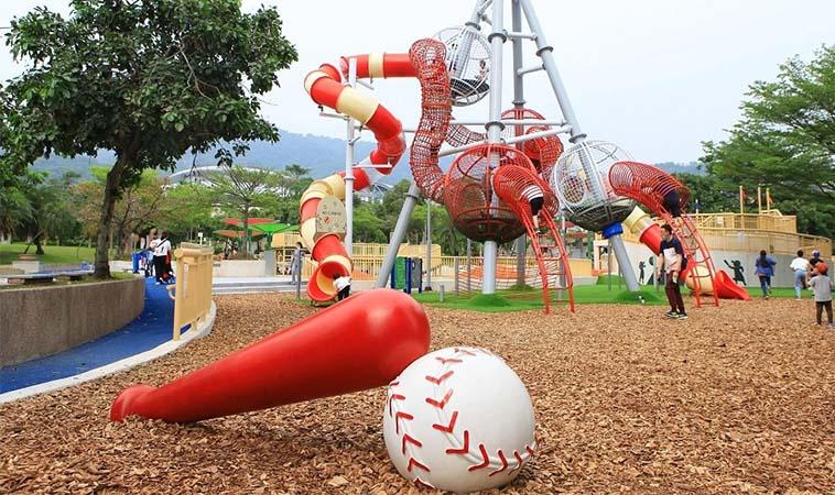 台北天母親子公園,9公尺超高溜滑梯超好玩
