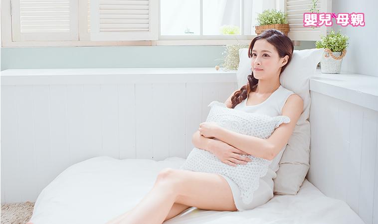 產後惡露多久會排乾淨?什麼狀況應就醫?