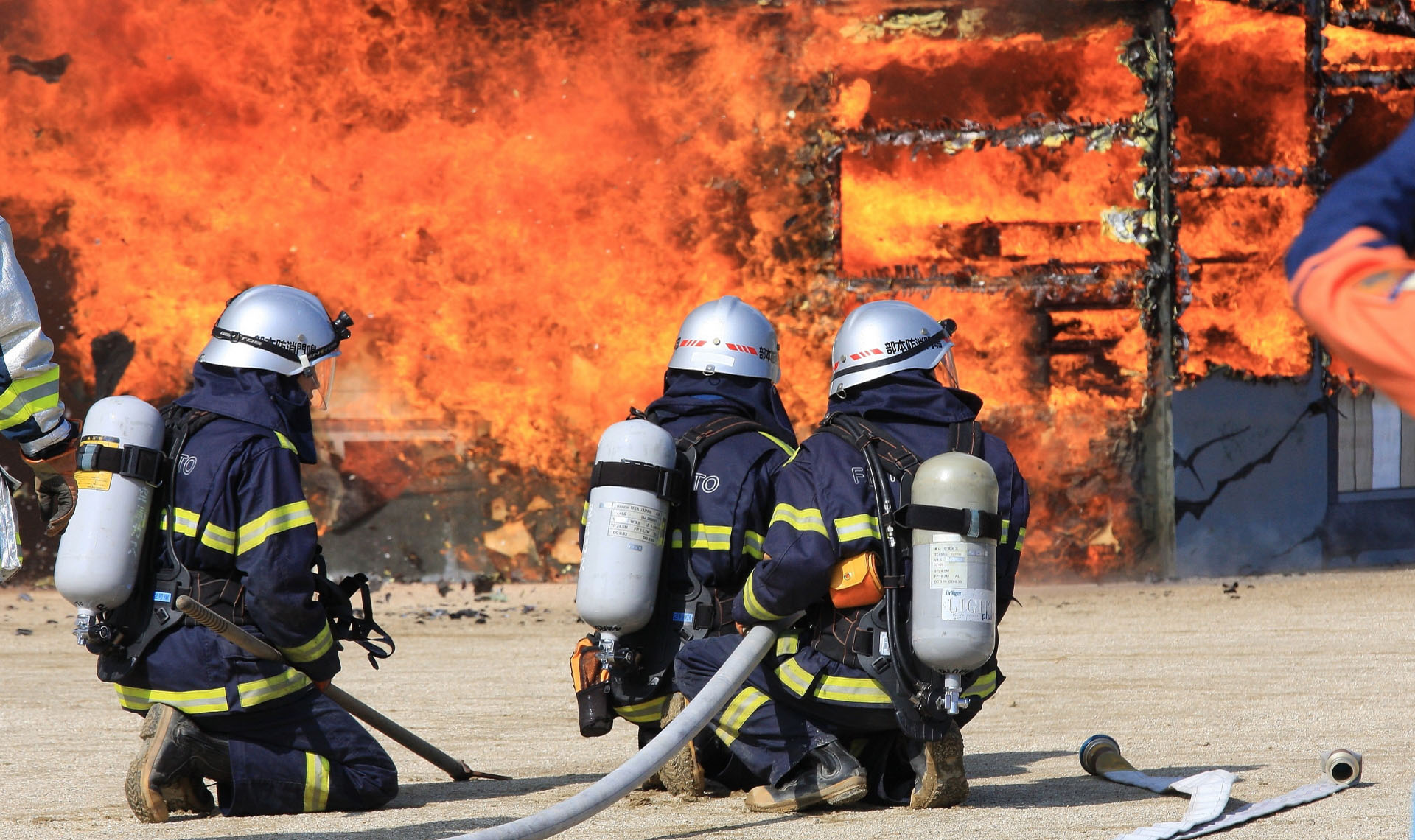 火災逃生怎麼做?快速判斷、安全自保這樣做!