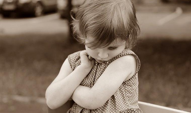 把握2~6歲關鍵期,4招預防「兒童社交恐懼症」