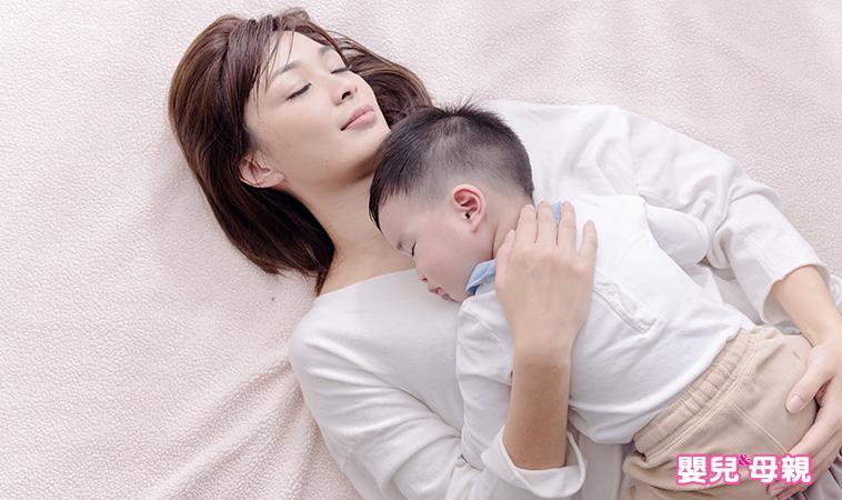 你抱對了嗎?2種錯誤抱寶寶的姿勢,千萬不能做!