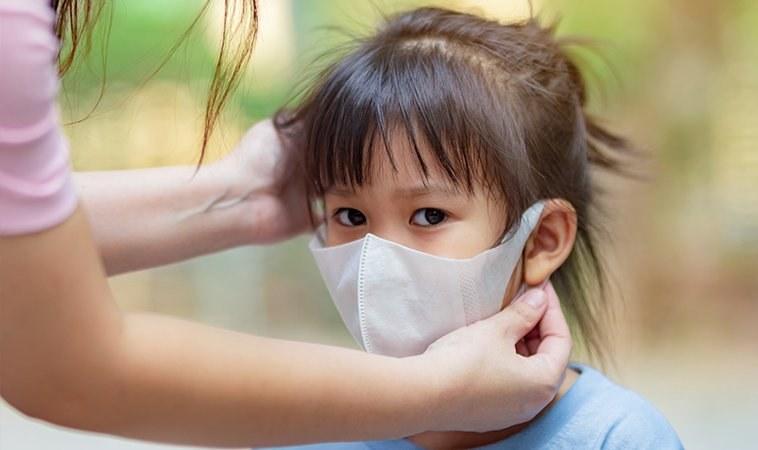 孩子不戴口罩怎麼辦?心理師教父母分齡引導技巧