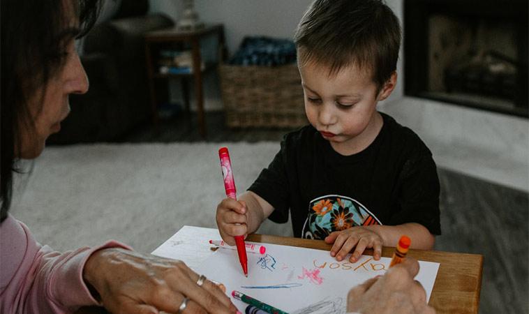 寶寶與筆的邂逅運筆啟蒙遊戲