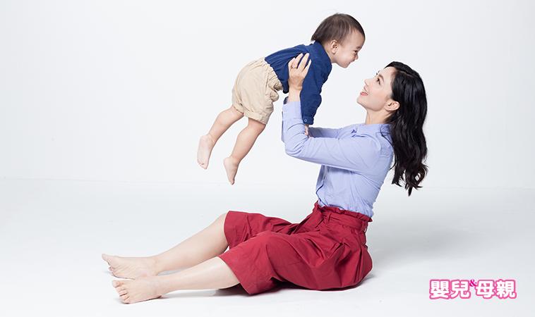 別讓產後疼痛跟妳一輩子!專家教妳6招預防媽媽手、肩頸痠痛、骨盆疼痛