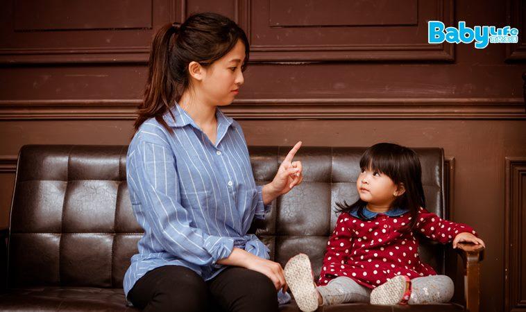 女童嫌工人髒,媽媽的機會教育讓網友讚爆!
