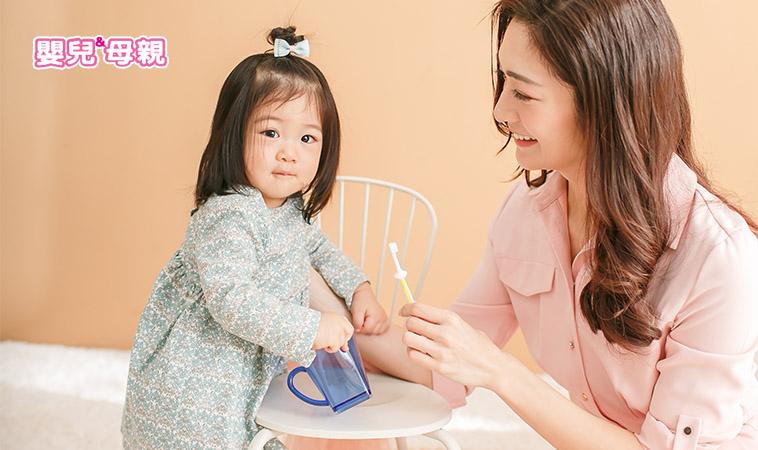 刷牙後不漱口沒關係,還可預防齬齒!?3歲蛀牙率6成,只因爸媽做錯這一件事