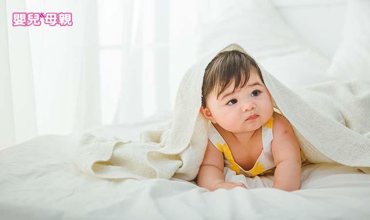 寶寶出生後,應該延後30到60秒再剪斷臍帶