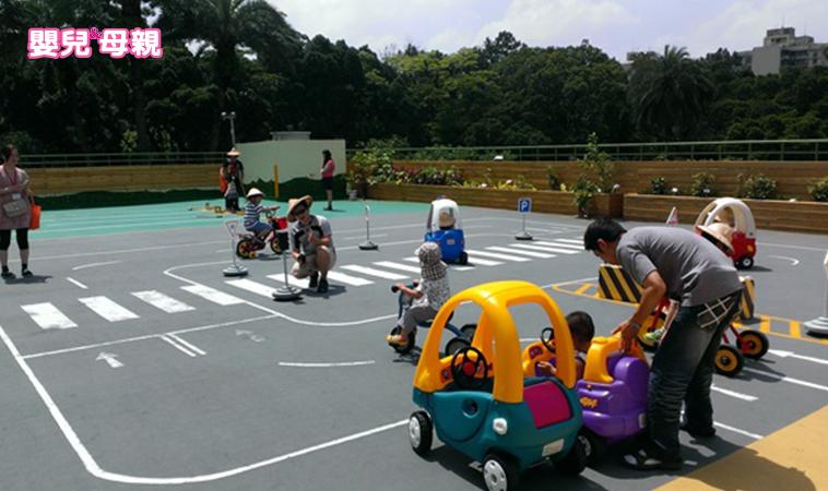 台北市唯一擁有戶外空間的「萬華親子館」