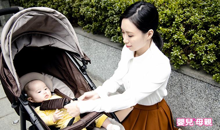 推嬰兒車過馬路、上公車、搭手扶梯,這樣做才安全!