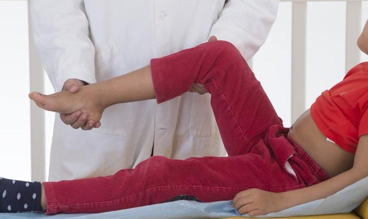 孩子喊痛不是裝的!按摩拉筋可減輕發育性疼痛