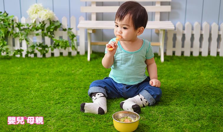 一歲孩口中夾出超長魚刺!給小孩吃魚,這樣選、這樣吃