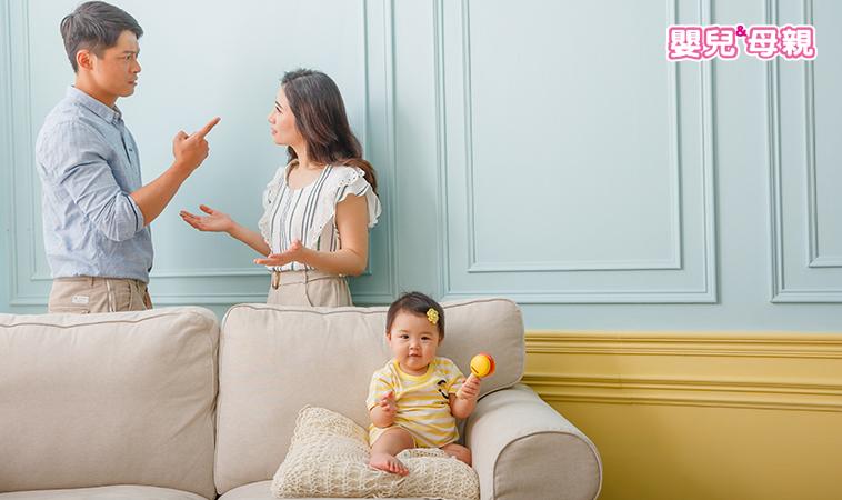別以為聽不懂!當著孩子的面吵架,恐引發情緒失調!