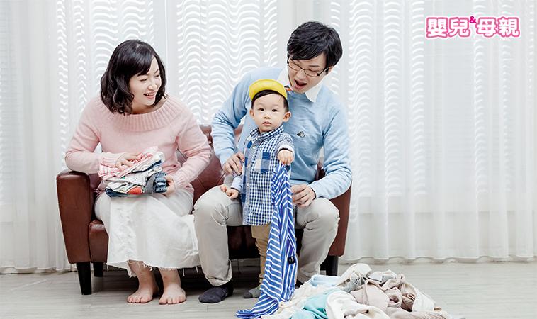 不必換季、CD盒摺衣、站立式收好……8招打破你想像的寶寶衣物收納法